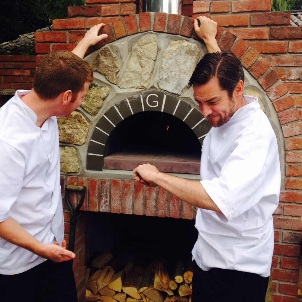 G120 The Beckford Arms Wiltshire The Stone Bake Oven