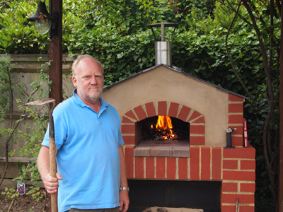 http://www.thestonebakeovencompany.co.uk/wp/wp-content/uploads/small-mezzo-wood-fired-stone-bae-oven-jon-prout11.jpg